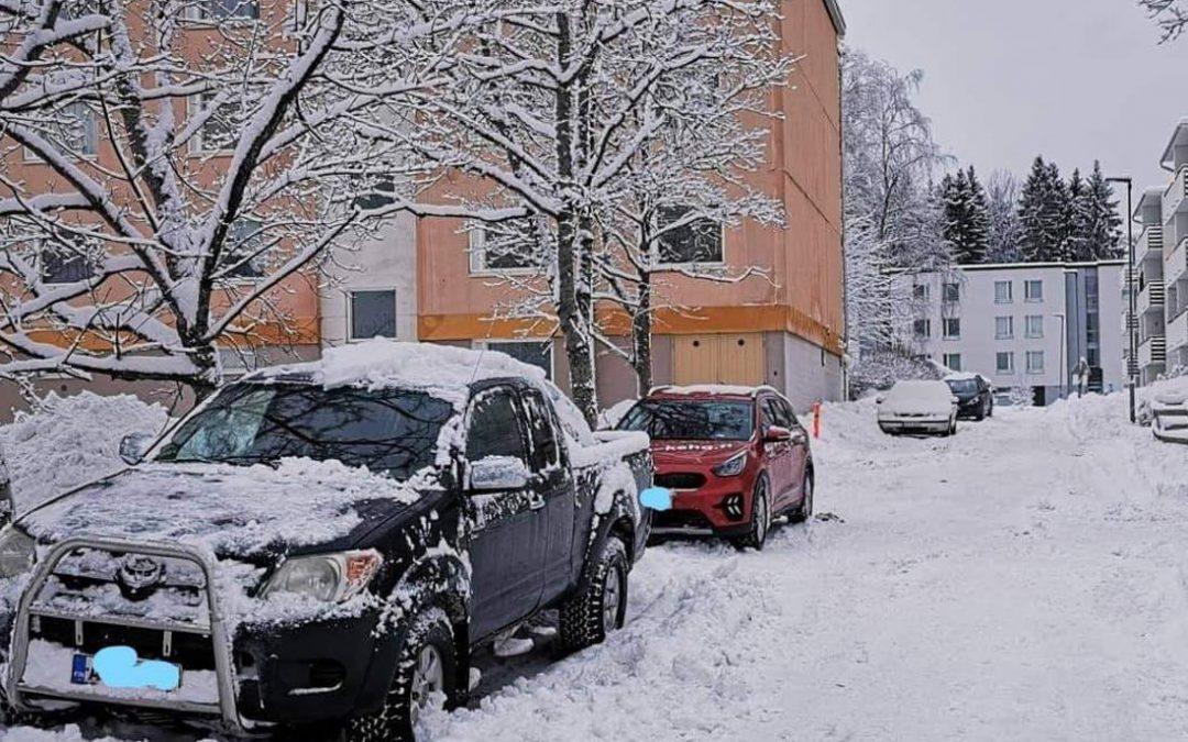 Gesterbyssä villi pysäköintiongelma